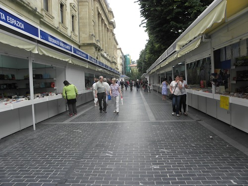Liburu eta diskoa azoka, gipuzkoa plaza