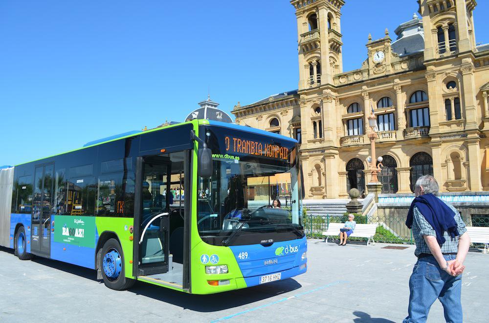 Teknologia berriei egokitutako autobusa, Alderdi Ederren. (Argazkia: Agurtzane Altuna)