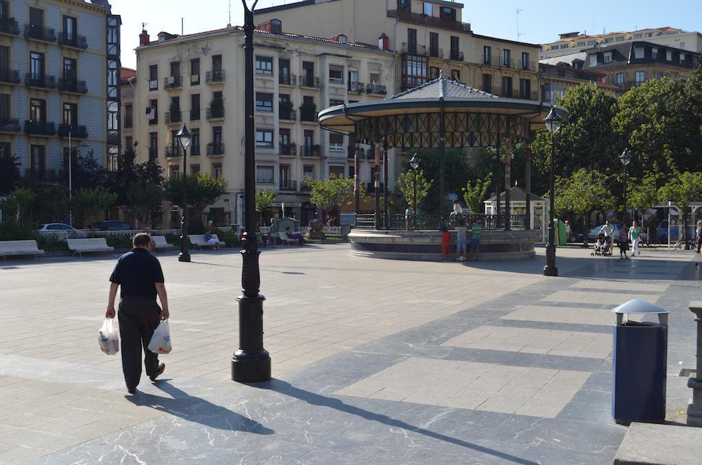 Easo plaza