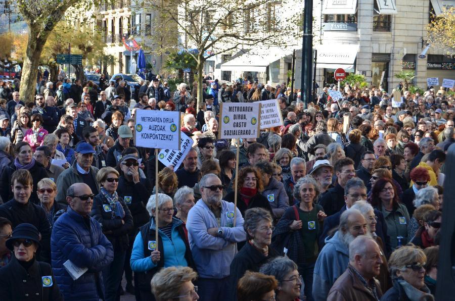 Metroaren aurkako manifestazioa