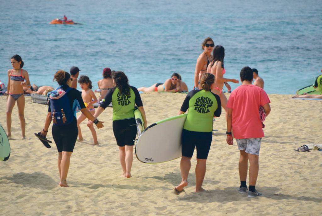 zurriola-hondartza-surfa