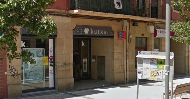 Loiolako Aralar Mendia kaleko Kutxabanken sukurtsalean gertatu zen lapurreta. (Argazkia: Irutxuloko Hitza)