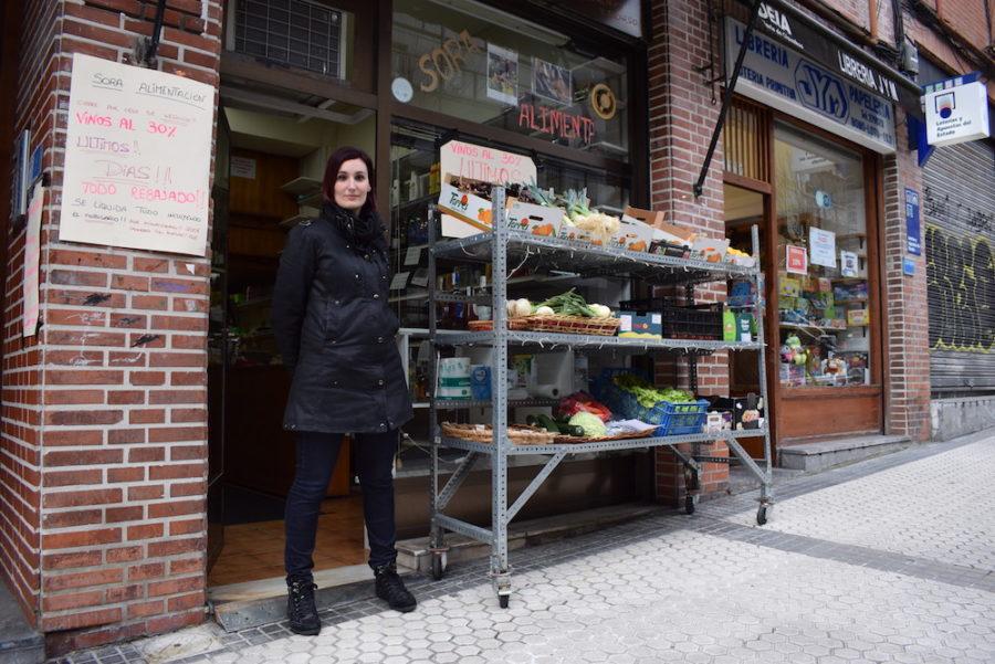 Soraya Rodriguez, Ametzagaña kaleko Sora janari-dendan. (Argazkia: Irati Salsamendi)