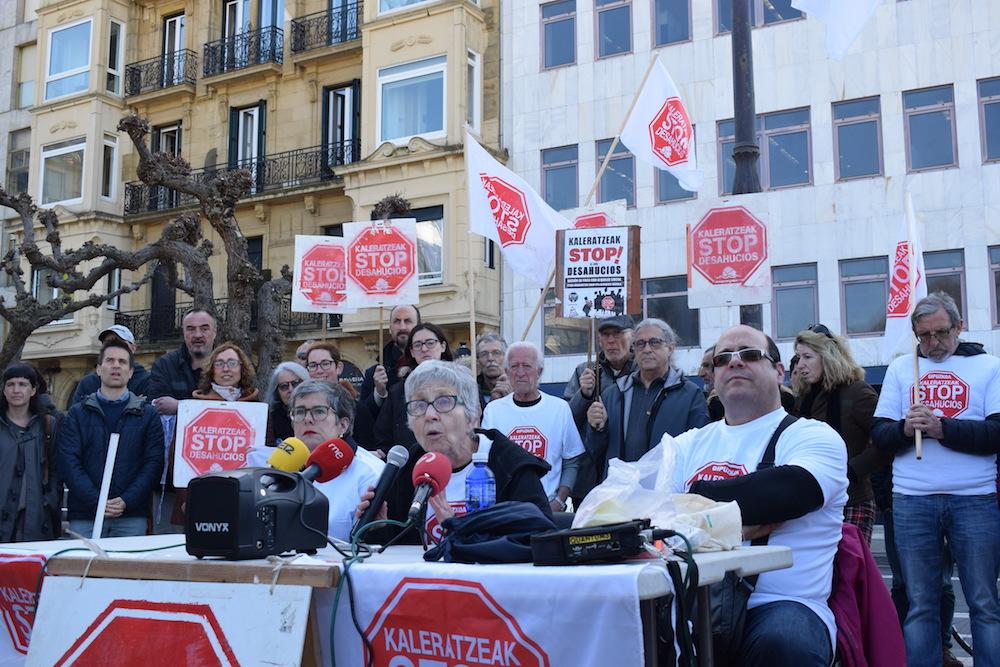Stop Kaleratzeak plataformak eta Benta Berriko bizilagunek egindako agerraldia. (Argazkia: Irati Salsamendi)