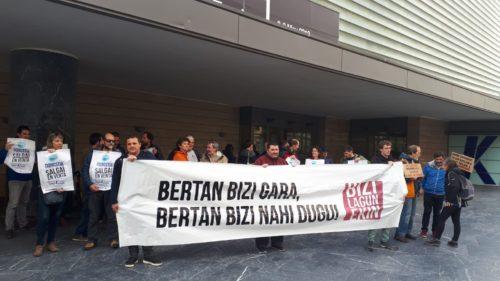Bizilagunekin plataformaren protesta, Turismo Gastronomikoaren Munduko Foroa. (Argazkia: Irati Salsamendi)