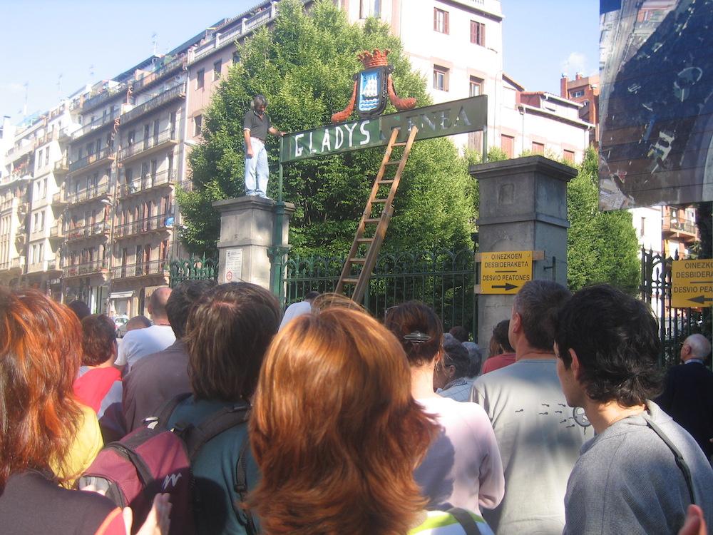 2006 urtean Eguzki talde ekologistak antolatutako omenaldia. (Argazkia: Irutxuloko Hitza)