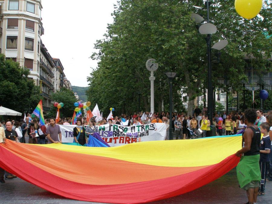 2018ko LGTBIQen Eskubideen Nazioarteko Egunean, ekainaren 28an, eginiko manifestazioa Donostian. (Argazkia: Irutxuloko Hitza)