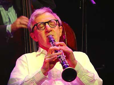 Woody_Allen_bere__jazz_tal