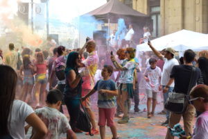 Aste Nagusi Holi Fest-en kolorez blai (Argazkia: Mikel Estomba)