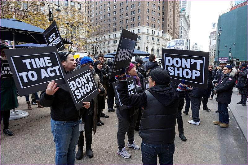 black friday-aren aurkako protestak