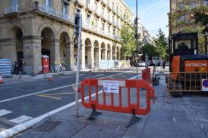 Metroaren lanen ondorioz, San Martin kalean mozketak egingo dituzte. (Argazkia: Irati Salsamendi)