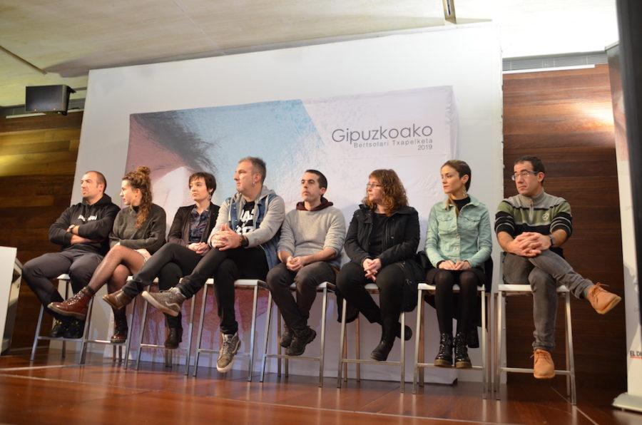 Gipuzkoako Bertsolari Txapelketako finalistak, San Telmo Museoan. (Argazkia: Irati Salsamendi)
