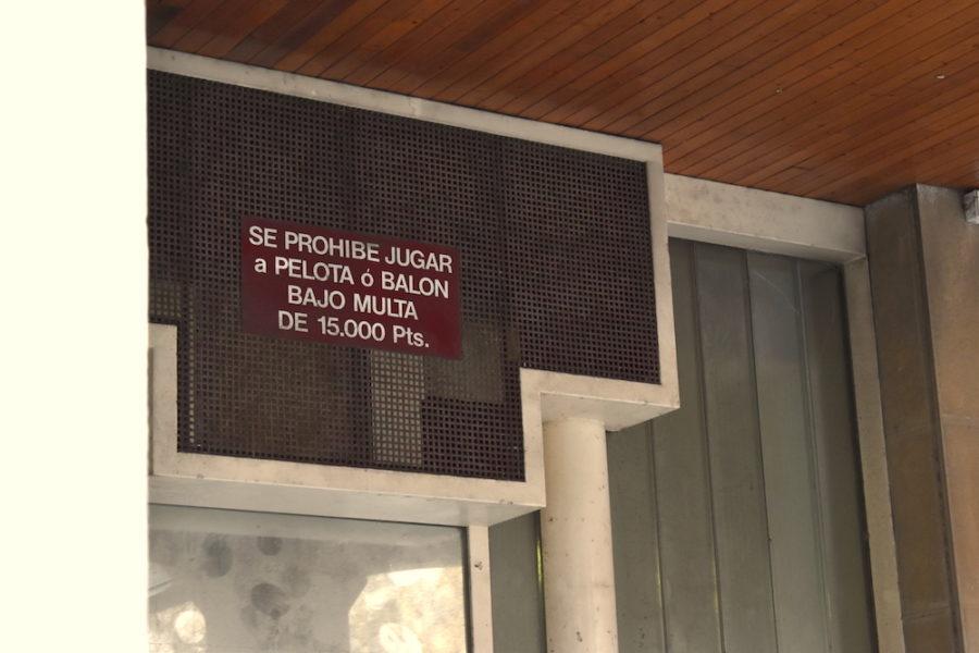 txofre plaza debekatuta kartela