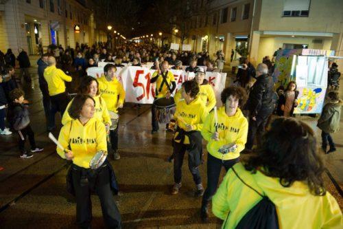 Bentaberriko bizilagunek elkarretaratze jendetsua egin zuten urtarrilaren 17an, Jose Maria Sert plazan. (Argazkia: Alokairu)