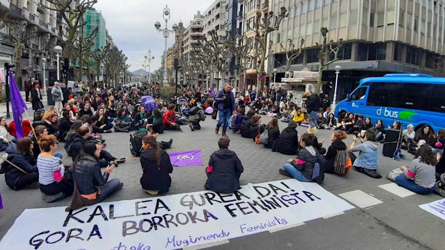 Eserialdia Askatasunaren etorbidean - Martxoak 8 - Mugimendu feminista