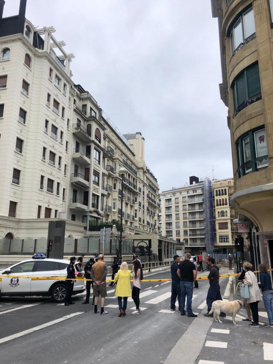 Londres hotela, Zubieta kaleko eraikin bat eta Hegalak zentroa hustu dituzte. (Argazkia: Irutxuloko Hitza)