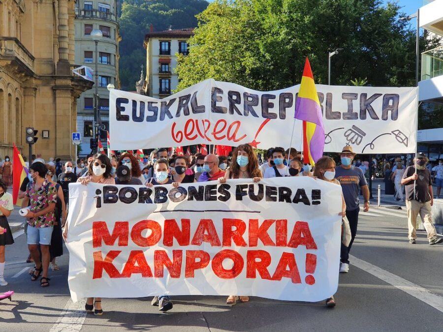 monarkiaren aurkako manifestazioa
