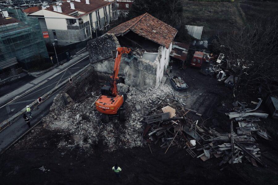 Luxuzko etxebizitzak eraikiko dituzte Txanpuene baserria zegoen tokian. (Argazkia: Joseba Parron San Sebastian)