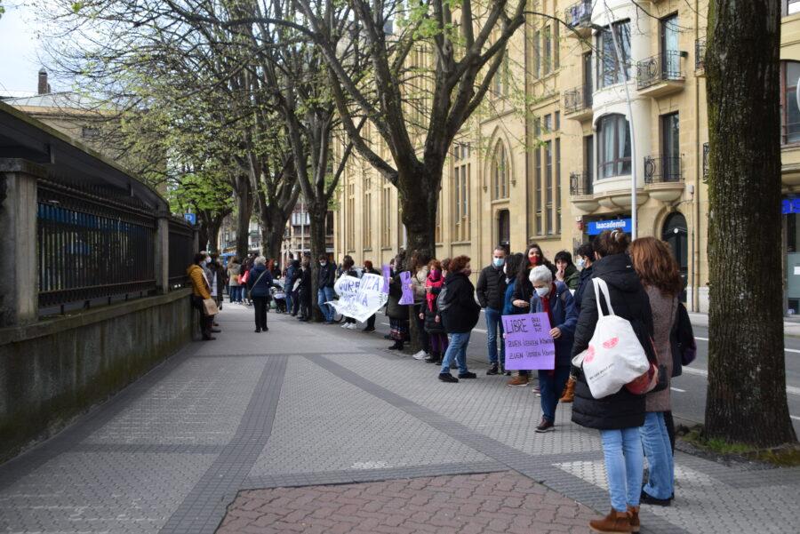askabide klinika protesta
