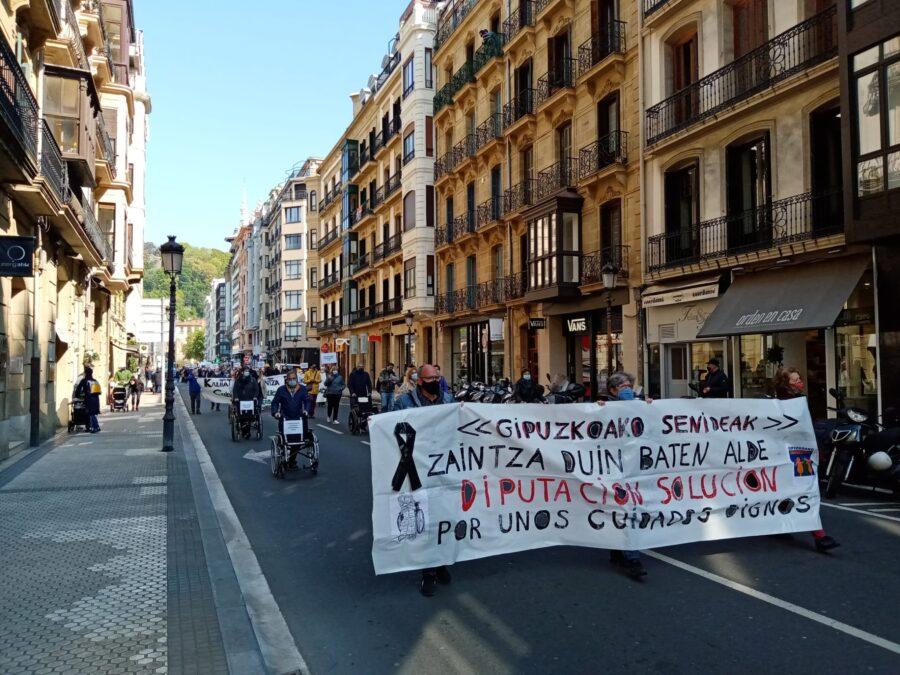 senideen manifestazioa
