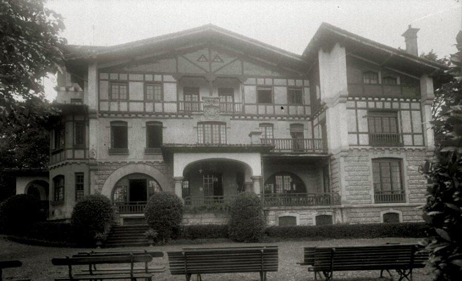 La Cumbre jauregia, 1940ko hamarkadan. (Argazkia: Agustina Zugasti / Kutxa Fototeka)
