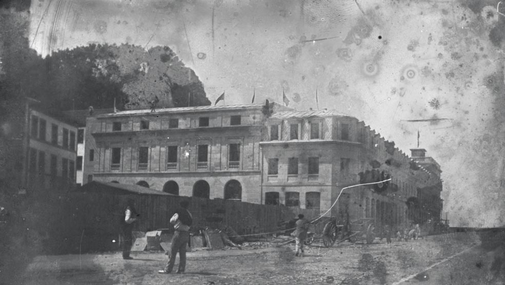 Aldamar kaleko Beti Jai pilotalekua 1913. urtean eraitsi zuten. (Argazkia: Foto Alday / Kutxa Fototeka)