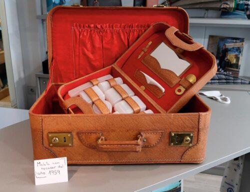 1959ko maleta bat, nezeser eta guzti. (Argazkia: M.E.B.)
