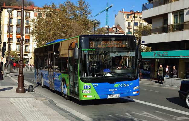 Dbusen 31 autobus lineako autobus bat. (Argazkia: Hodei Goldazarena)